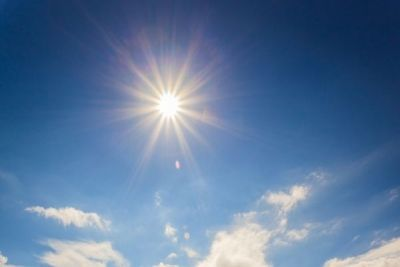 Prea mult soare poate bloca producţia de vitamina D http://antenasatelor.ro/sanatate/sfatul-medicului/8896-prea-mult-soare-poate-bloca-productia-de-vitamina-d.html