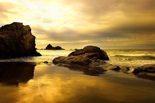 Gold Beach Oregon. Photo by Joydancer
