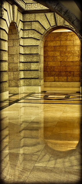 Manitoba Legislative Building - Image by Carla Dyck