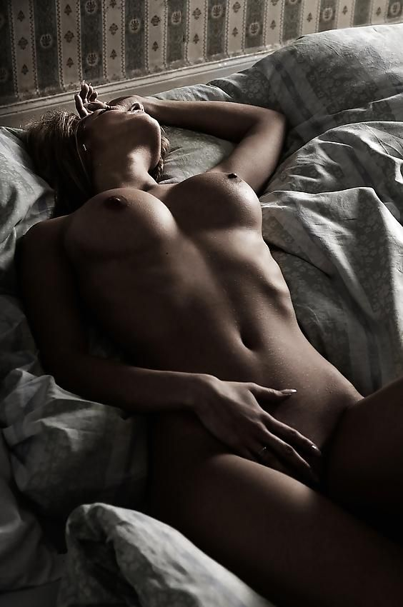 Beautiful woman lying in bed #babes #sexy #erotic #boobs #beautiful #bed
