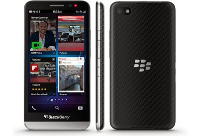 The BlackBerry Z30 packs a nicely responsive 5-inch Super AMOLED display, which at 1,280-by-720 resolution and 295ppi is crisp enough, the 1.7GHz quad-core Qualcomm MSM8960T Pro CPU with 2GB of RAM keeps everything zipping along nicely. There's 16GB of internal storage, expandable via a MicroSD card slot located under the back cover.