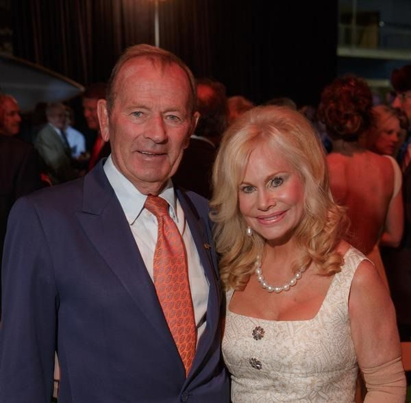 Annabel Bowlen iѕ thе Queen оf thе Denver Broncos, ѕhе iѕ thе wife оf Mr. Pat Bowlen thе owner оf thе Broncos. Our prayers are for her and the family as well as for Pat.