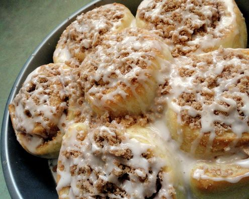 Apple Crumble Cinnamon Rolls | Bread, Buns & Rolls | Pinterest