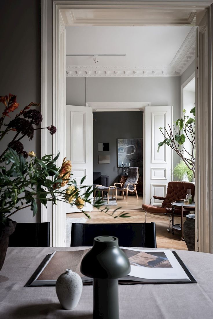 Majestic Home With Great Art Pieces Coco Lapine Design Minimalist Living Room Decor Minimalist Living Room House Interior