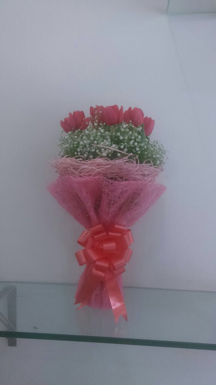 Why do we give roses on valentines day redroses valentinesday redroses valentinesday melbournefreshflowers valentine day flowers delivery melbourne pinterest flower del izmirmasajfo