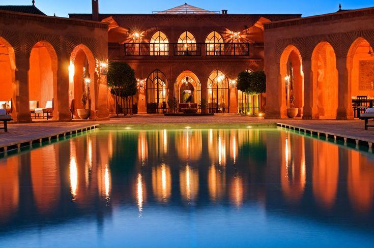 Villa Hana is een luxe 7 slaapkamer vakantievilla met zwembad en personeel aan de rand van Marrakech Marokko ideaal voor gezinnen of vrienden