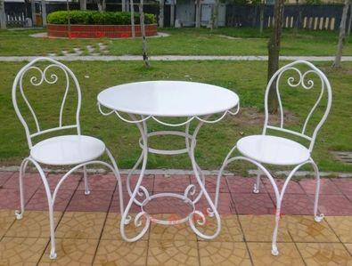 На нашем сайте http://studia-chudes.com/ Вы сможете воспользоваться услугой аренды инвентаря для свадьбы.  Изысканная свадебная мебель для вашей свадьбы!