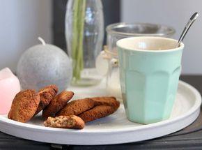 Ken je de banaan havermout koekjes nog? De amandel banaan koekjes met kaneel is de nieuwste versie hiervan. Leuk ook om samen met kinderen te bakken.