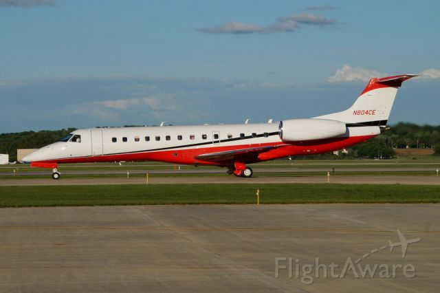 Embraer ERJ-135 (N804CE) | Built in 2000. Originally delivered to American Eagle Airlines as N727AE.
