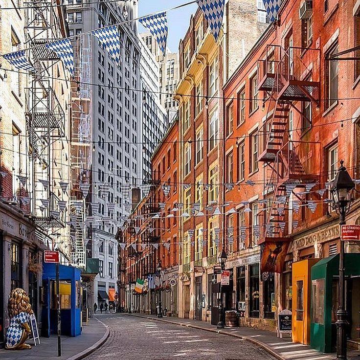 "23 Likes, 1 Comments - Design Energy (@mav_out) on Instagram: ""#ny #nyc #newyork #newyorkcity #chinatown #manhattan #architecture #rowhouses - @ig_nycity"""