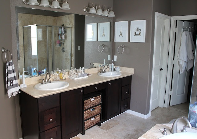 Sienne by valspar paint color in bathroom life is for Valspar kitchen and bath paint
