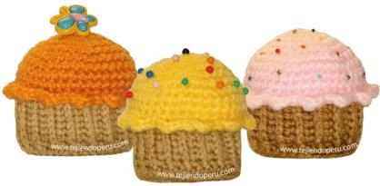 Aprende a tejer estos pastelitos o cupcakes!