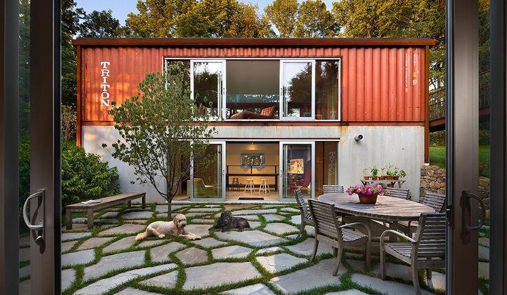10週間で完成!デザイン性にも優れた、広々コンテナハウス「Quick House」 | 未来住まい方会議 by YADOKARI | ミニマルライフ/多拠点居住/スモールハウス/モバイルハウスから「これからの豊かさ」を考え実践する為のメディア。