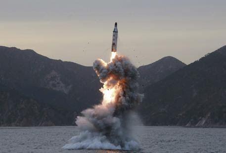 Forti proteste di Tokyo, Washington e Seul per il lancio di 4 missili balistici nordcoreani, di cui tre sono caduti nella Zona Economica ...