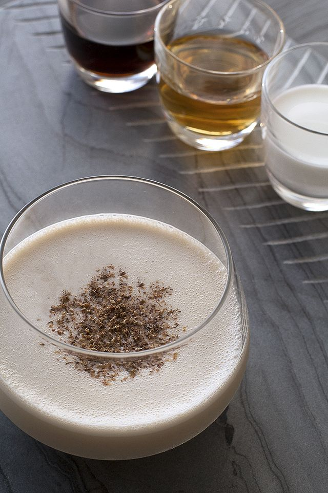 Brandy Alexander Cocktail Recipe by HonestlyYUM #rasspcocktail #drinks