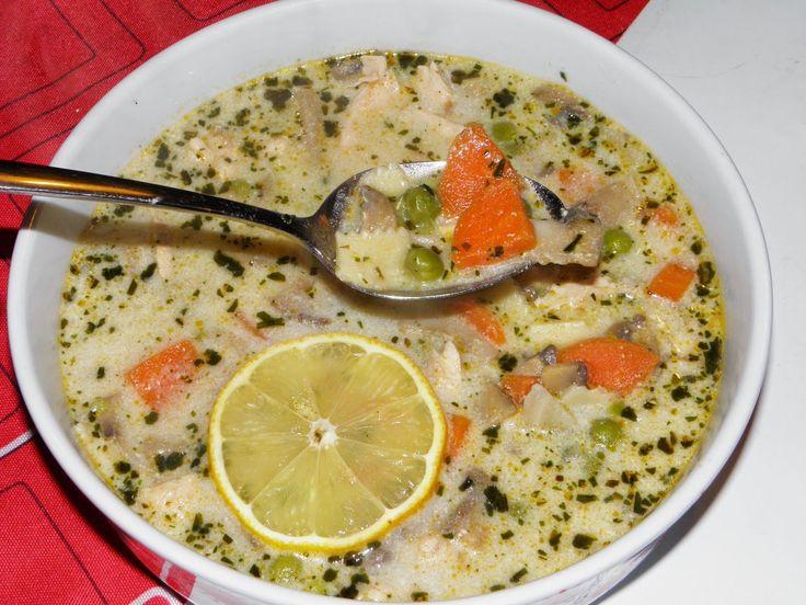 Tejszínes tárkonyos csirkeragu leves