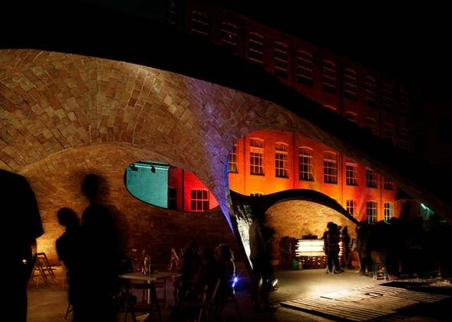 Vaulted brick pavilion in Barcelona by Map13 (8)