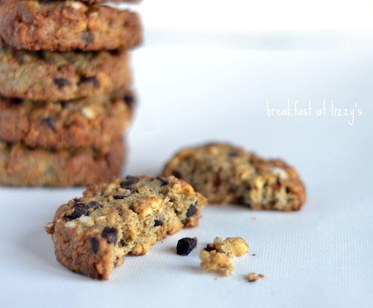 Ragazzi sapete quanto mi piacciono i dolci rustici! questi biscotti nascono un po' per caso, dalla voglia di mixare un po' di ingredien...
