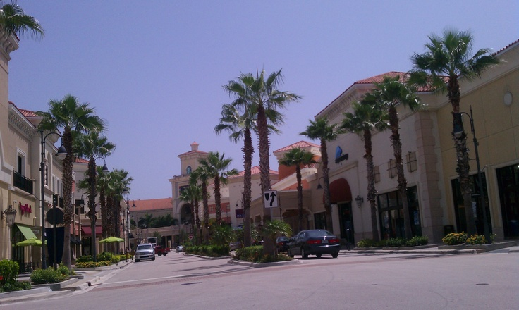 At the Shops of Gulfstream Racing and Casino, Hallandale Beach, FL http://www.ecocentricpartnersllc.com/