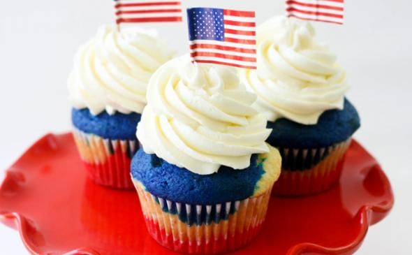 Patriotic Cupcakes: Serve these cupcakes to your guests, and start the debate over whether or not Frank Underwood is a patriotic man
