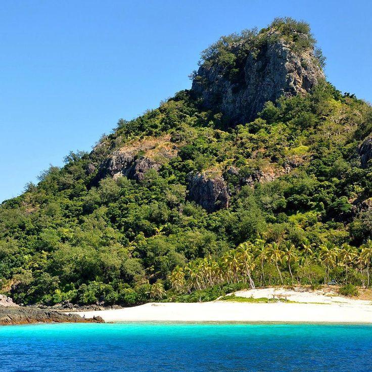 "Not actually Castaway Island, but ""Cast Away"" Island (Mondriki)... can you spot Tom Hanks? #castawaycayisland #castaway #mondriki #fiji #fijiislands #movie #movieset #tomhanks #wilson #tropics #tropical #island #islandlife #islandgirl #islandinthesun #beach #beachlife #bluewater #palmtrees #nature #naturelovers #naturephotography #nikontop #nikonphotography #travel #travelgirl #travelgram #travelphoto http://tipsrazzi.com/ipost/1522411065881890469/?code=BUgsMxgA46l"