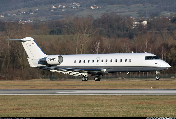 Canadair CL-600-2B19 Challenger 850, Avcon Jet, OE-IZZ, cn 8052, Avcon delivered 21.7.2011. Foto: Chambery/Aix-les-Bains, France, 10.1.2015.