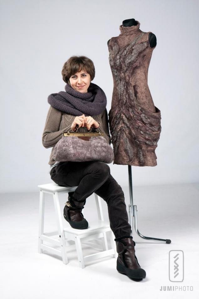 21марта в студии Magic-wool пройдет семинар художника-дизайнера мастера по войлоку Дианы Нагорной платье в технике нуно-войлок со сложными декоративными объемными элементами. Семинар однодневный. Начало в 12 часов В таком платье Вы точно не останетесь незамеченной… Как будет проходить занятие... Очень удобная форма занятия в виде семинара, где каждый не валяет свое изделие, а работает только мастер.