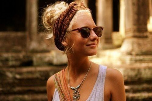 Styling Tip: Different ways to tie a scarf in your hair - VeckoRevyn cute!