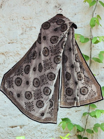 Shop Online #Handembroidered #phulkari black and white #dupatta #phulkaridupatta #blackandwhite
