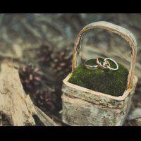 Свадебные кольца в шкатулке