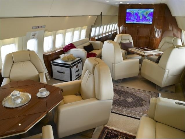 Private jet boeing 737 200 advanced coffee cabin 5 for for Interieur 737