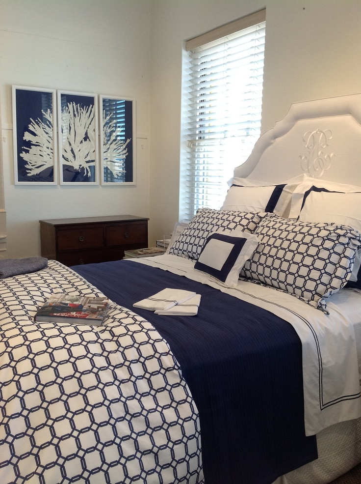 As if you need another reason to go to Bermuda... The Irish Linen shop in Hamilton, Bermuda has our Barrington bedding beautifully set with Orlo and Grande Hotel. Must see!