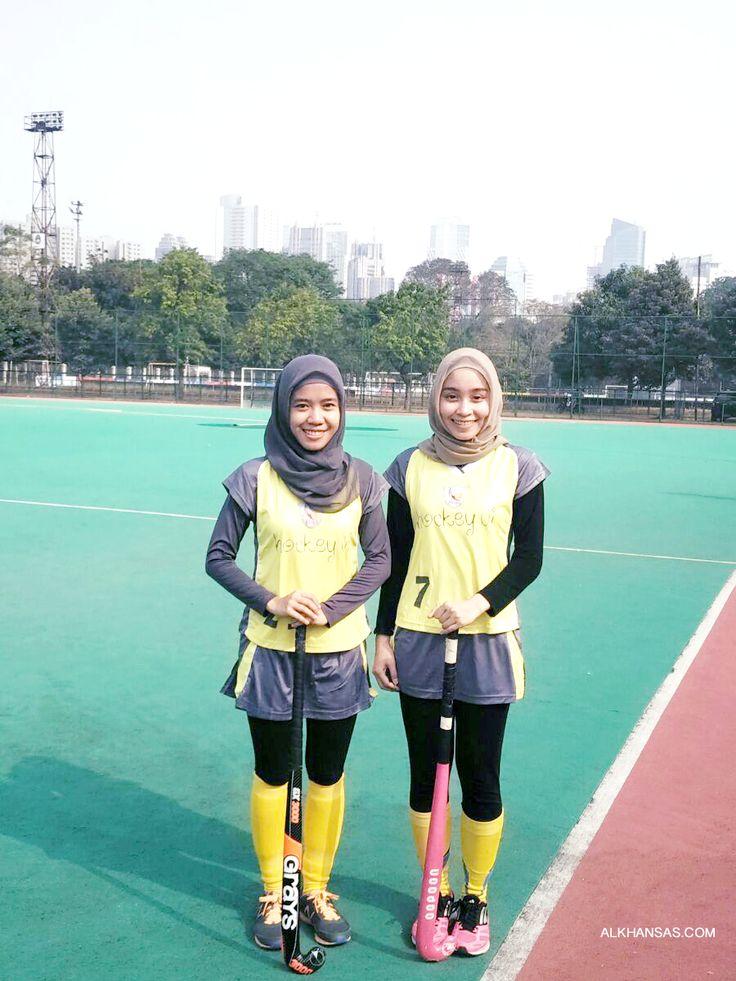 Hijab Girls Do Sports! FIeld Hockey FTW!