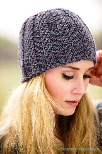 Вязание шапки для женщин спицами Похожее