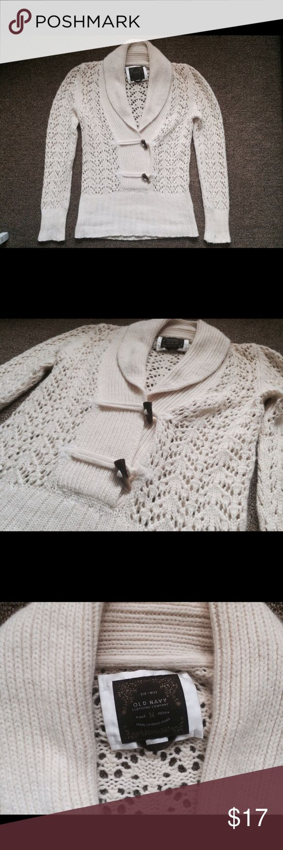Cream Old Navy Sweater Gorgeous cream Old Navy sweater in excellent condition, size M. Ships quickly with 100% recycled materials! Old Navy Sweaters