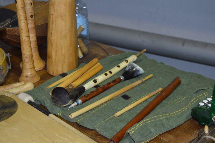 """""""Духовой"""" отдел нашей экспозиции: жалейки, пищики, рога. пастушие рога, свирели, пыжатки, кувиклы"""