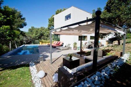 Bekijk deze fantastische advertentie op Airbnb: PUIGMAL 4 in Tamariu