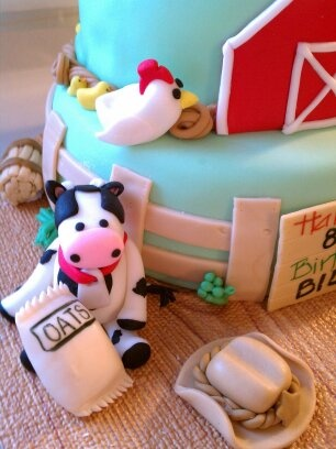 Side view of Life on the Farm cake