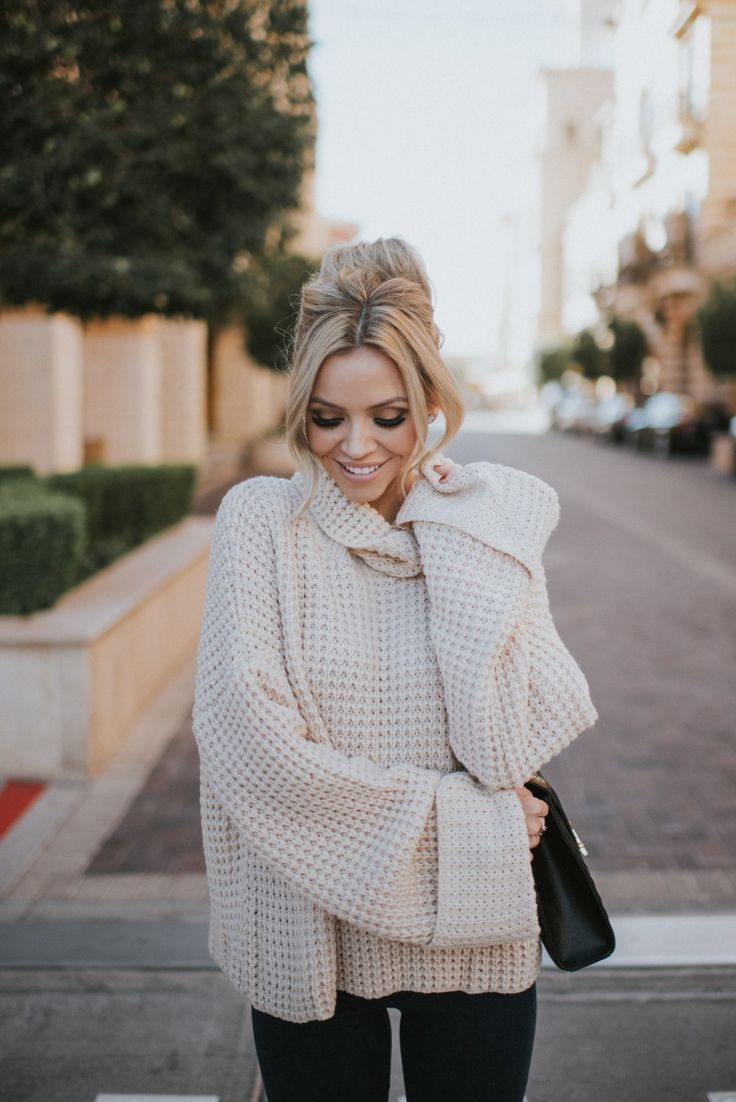 This gorgeous chunky knit turtleneck sweater is so comfortable! Check out the Black Friday sale from Goodnight Macaroon!