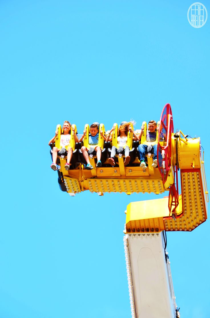 """There were three """"Boosters"""" on the fair. These guys go fast as hell - Tilburgse Kermis 2014"""