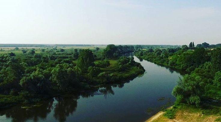 Rzeka Warta - Pyzdry #pyzdry #wielkopolska #poland #polska #tbt #view #dronephotography #drones #instagram #instapolish #zlotuptaka #warta #river #aerial #rzeka #landscape #drone #droneshot #landscapephotography #relax #nature