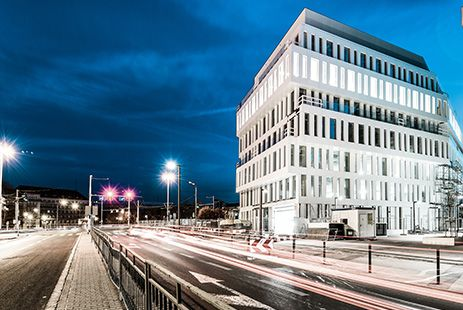 Dubois 41, à Wroclaw. MOA : #Nacarat - Architecte : Macków Pracownia Projektowa - Photographe : Zajaczkowski Photography