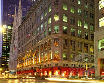 She swiped the wet hair off her forehead and concentrated on the twinkle of lights a block ahead that outlined the Art Deco frontage of Sinclair's, shining like an oasis through the gloom.
