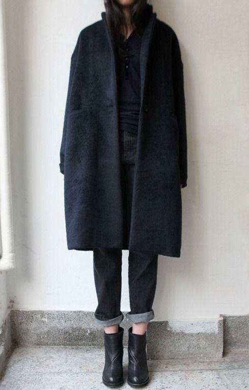 keep it casual in a long oversize black coat #WinterWarmers #THEOUTNET