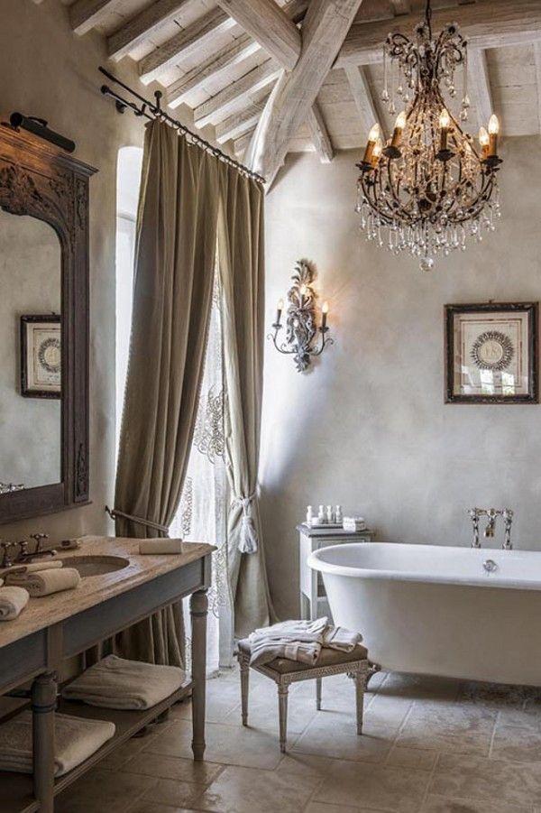 Salle de bain rustique & romantique...  http://www.homelisty.com/salle-de-bain-rustique/