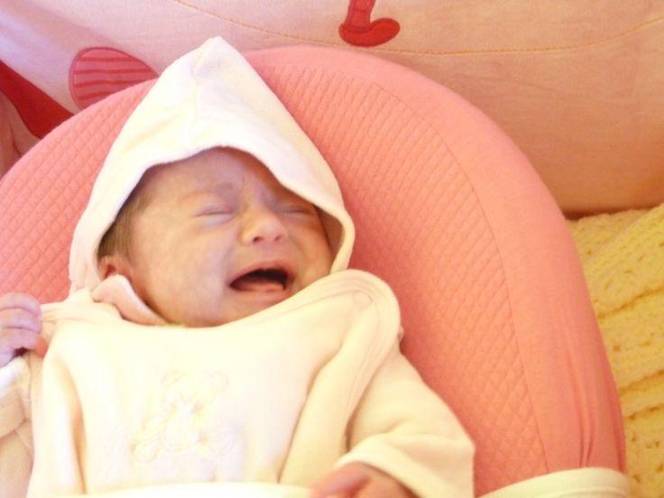 Comment réagir face aux pleurs d'un bébé?