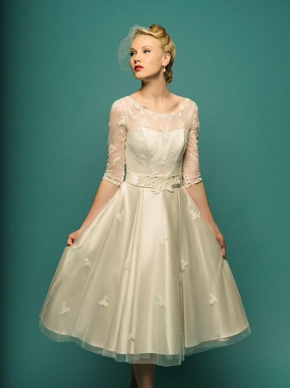 71 best Wedding dress images on Pinterest | Short wedding gowns ...