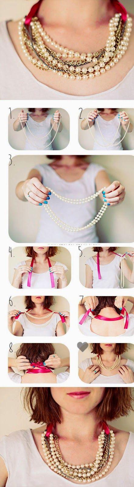 Como fazer um colar com pérolas     Super chique e moderno este colar usando correntes, pérolas e fita de cetim...   Siga o foto tutorial e...
