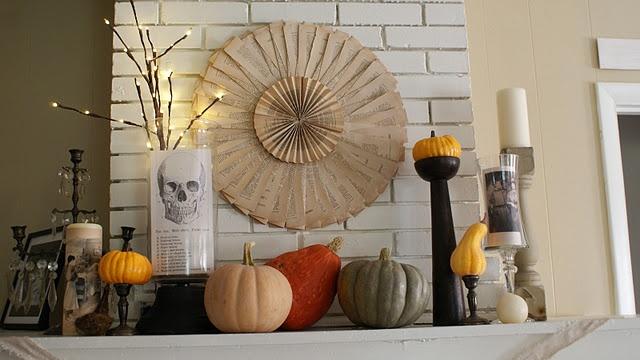 ....: Books Pages, Halloween Mantels, Decor Ideas, Halloween Decor, Fall Decor, Halloween Mantles, Fall Mantels, Fall Halloween, Halloween Ideas
