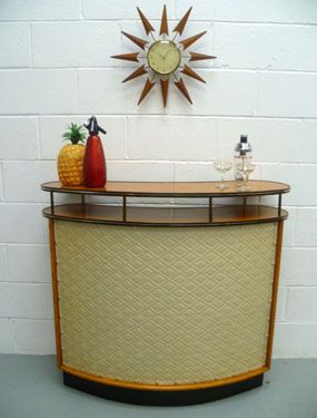 50's bar, love it.  Via Retro To Go